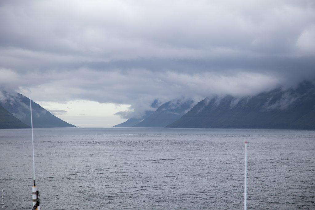 durch die Inselwelt der Färöer ● ©2016