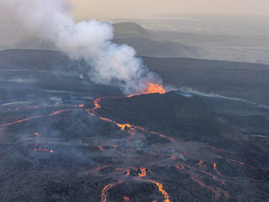 Fagradalsfjall ● Blick zum Krater ● ©2021